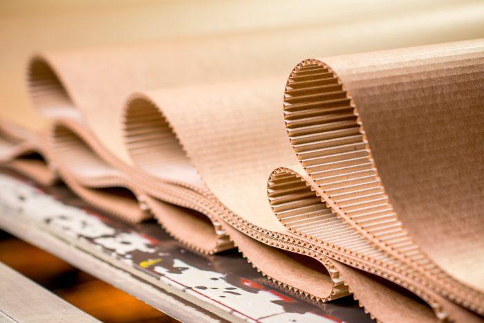 noticias sobre la manipulación del papel y cartón
