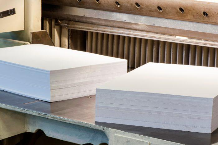 servicios de corte y manipulación de cartón y papel